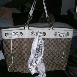 Authentic Gucci Spring Collection Handbag